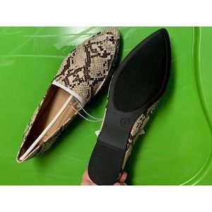 A New Day Snake Flats Size 8 NWT